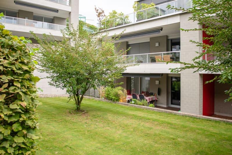 Attraktives Gesamtpaket: Elegante Gartenwohnung an ruhiger Lage
