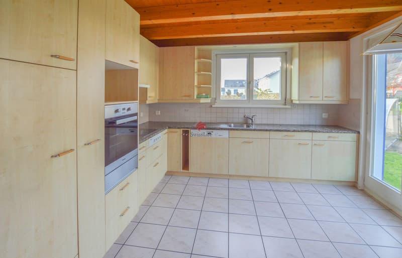Küche mit direktem Zugang zum Gartensitzplatz