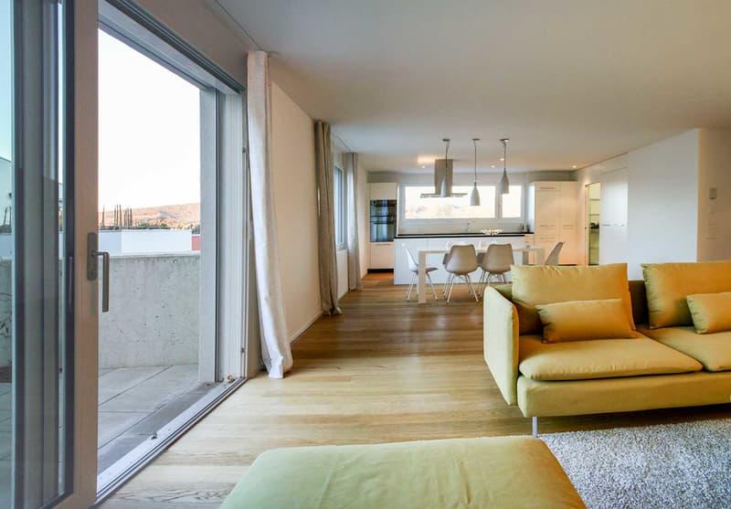 Neuwertige 3.5 Zi. - Wohnung - 131 m² - mit hohem Ausbaustandard & grosser Terrasse!