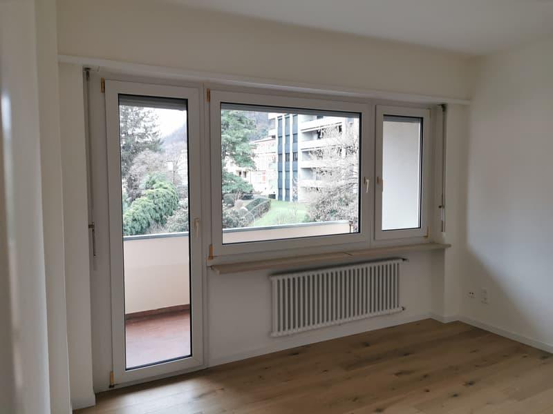 Appartamento di 1 locale + cucina e bagno al 4°piano con balcone zona Lugano-Paradiso