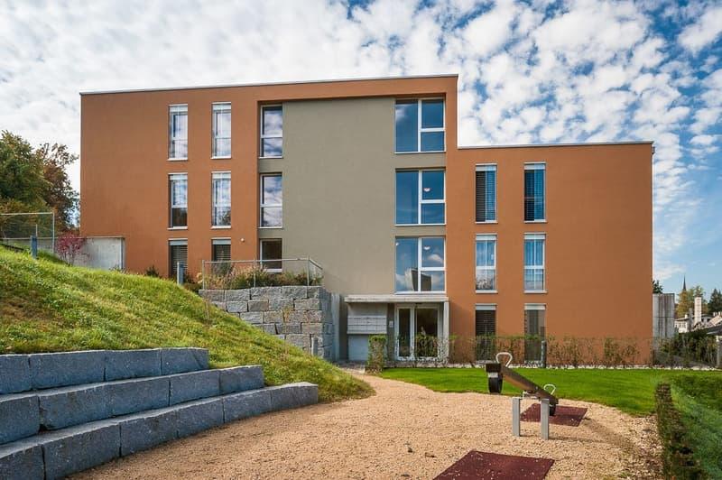 Tolle 3.5 Zimmer-Attikawohnung mit grosszügigen Balkon und Aussicht ins Grüne