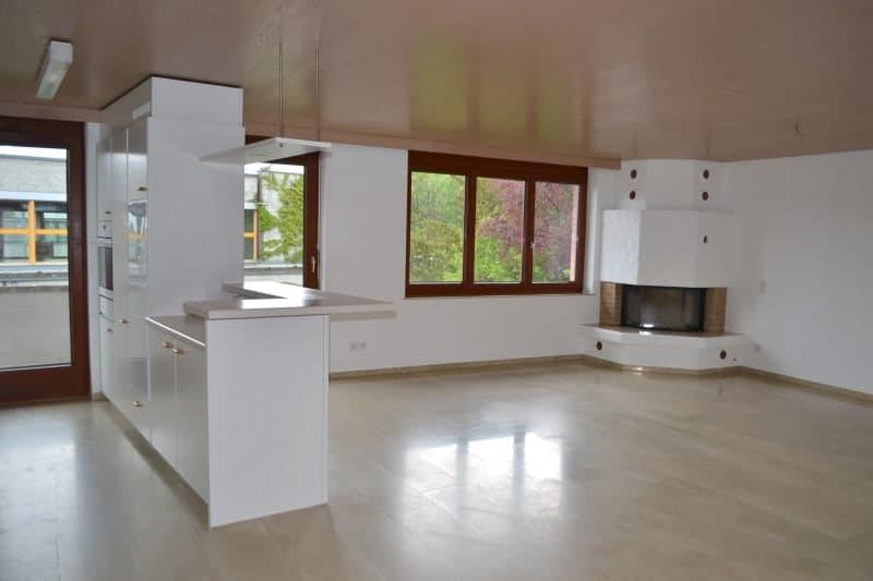 Grosser Balkon, geräumiges Wohnzimmer