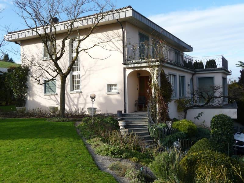 Traumhaftes Landhaus 6 1/2 Zimmer mit grosser Gartenanlage und herrlicher Aussicht