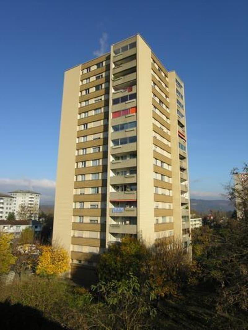 Nahe Einkauf, Schulen / FHNW und ÖV: Zentral gelegene 3.0-Zimmer-Wohnung