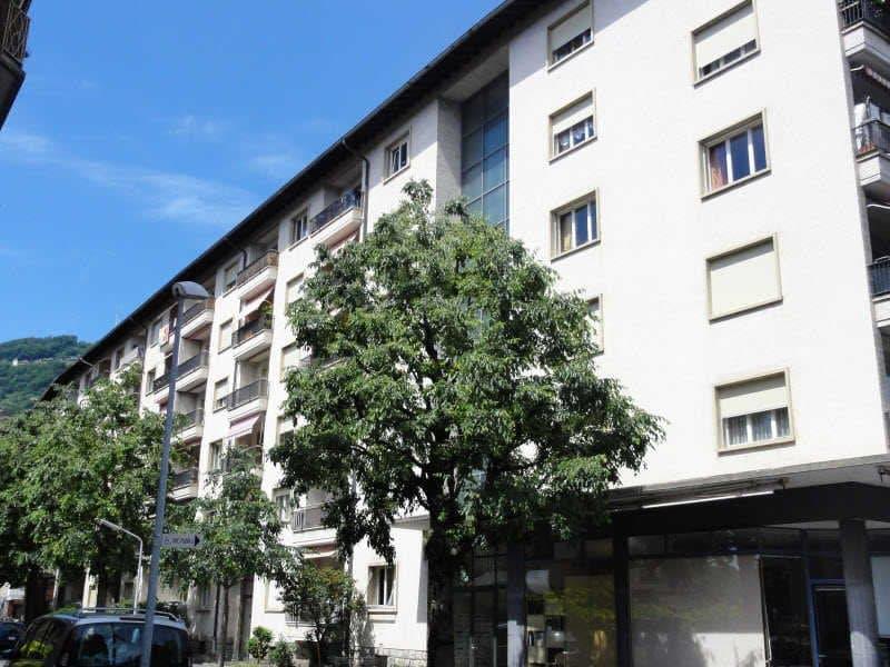 Appartement de 2 pièces avec balcon au 5ème étage
