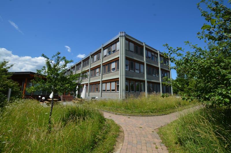 Immeuble Administratif et commercial - CHF 180.-/m2/an