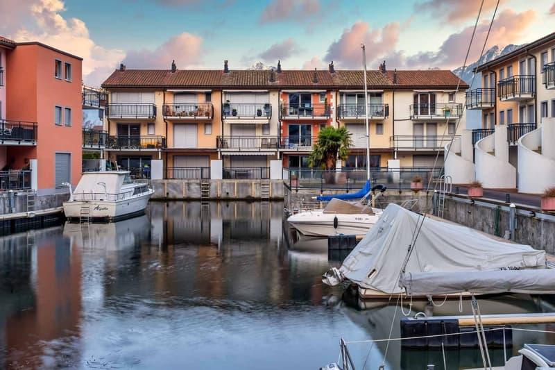Joli appartement de 3.5 pièces avec place d'amarrage dans le port à vendre dans la Marina au  Bouveret