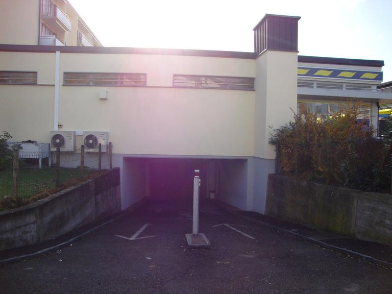 Motorradeinstellplatz in Uster