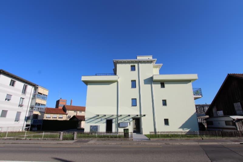 Möbliertes Luxus-Apartment mit zwei grossen Terrassen in Oberentfelden