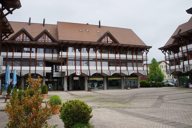 Ansicht Gebäude ab Dorfplatz