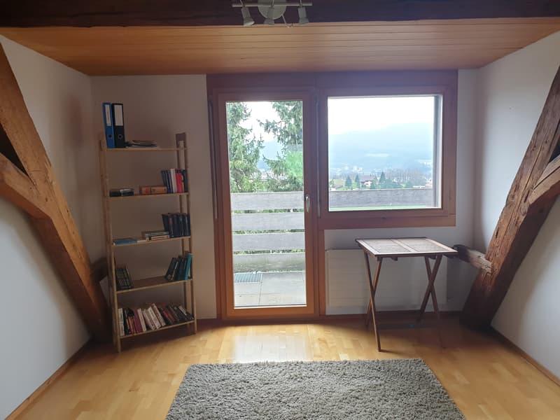 Heimelige 3 1/2 Zimmer Dachwohnung mit wunderschöner Aussicht