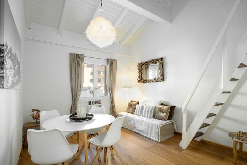 Stylische Maisonette-Wohnung mit schönem Holzboden (2)