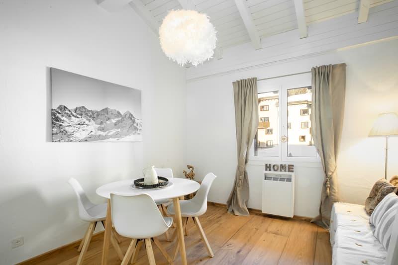 Stylische Maisonette-Wohnung mit schönem Holzboden (3)