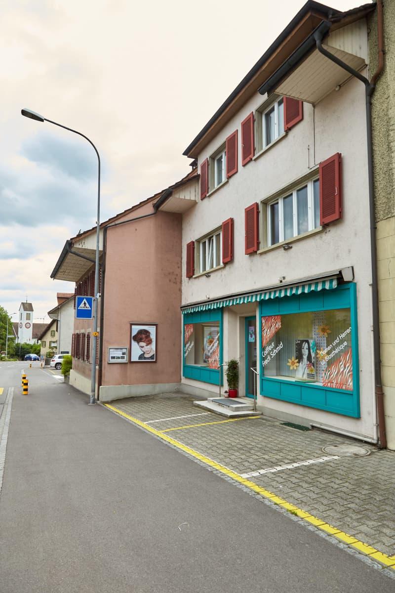 3-Zimmer Wg. im Dorfzentrum Möriken, inkl. Parkplatz