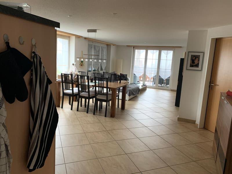 Geräumige 4.5 Zimmer Wohnung in Moosleerau