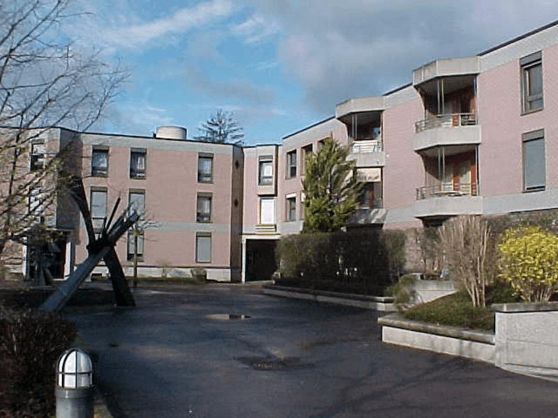 Bureaux de 91 m2 au rez-de-chaussée - idéalement situés - 198.-/m2