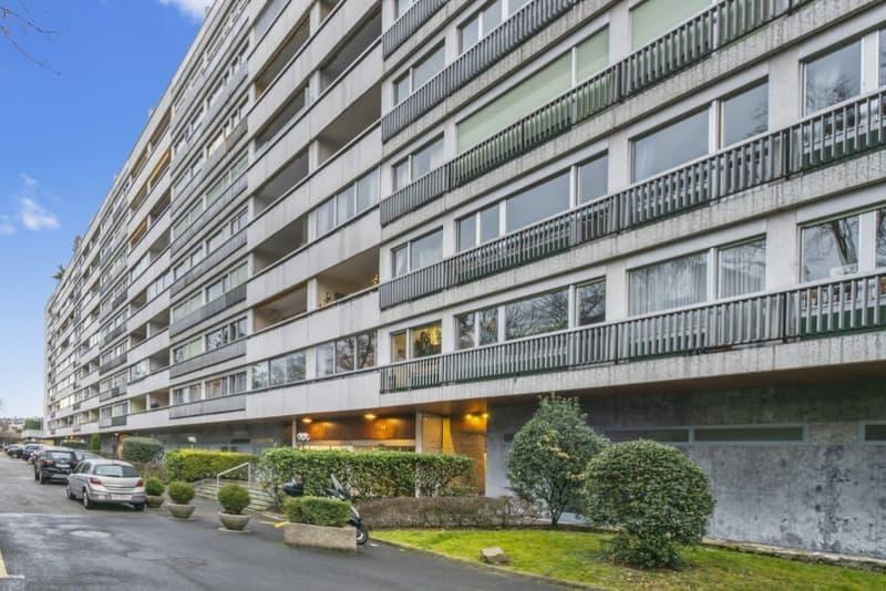 Appartement de 2 pièces avec balcon, box et cave