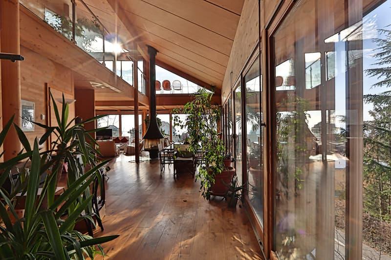 Villa individuelle contemporaine avec vue lac panoramique