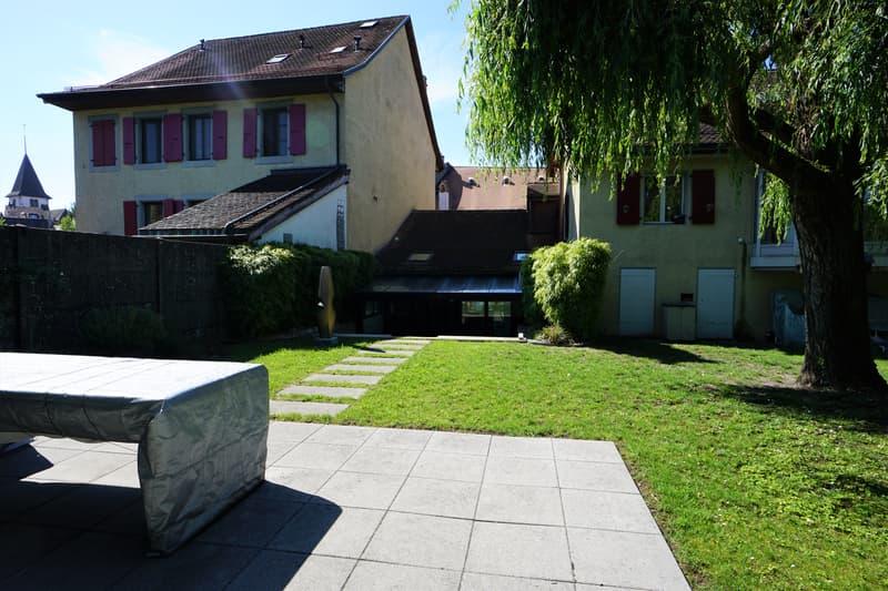 Bourg de Lutry, duplex meublé de 2,5 pièces cadre exceptionnel