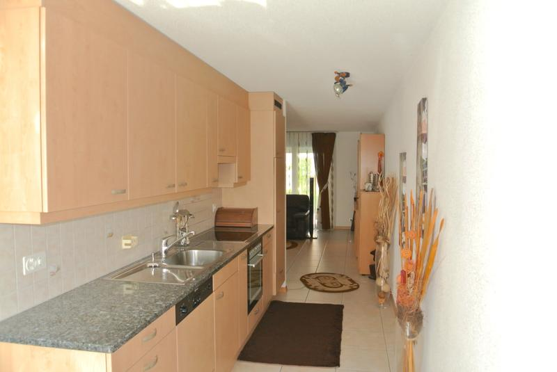 Joli appartement villa avec véranda et jardin dans un quartier familial (1)