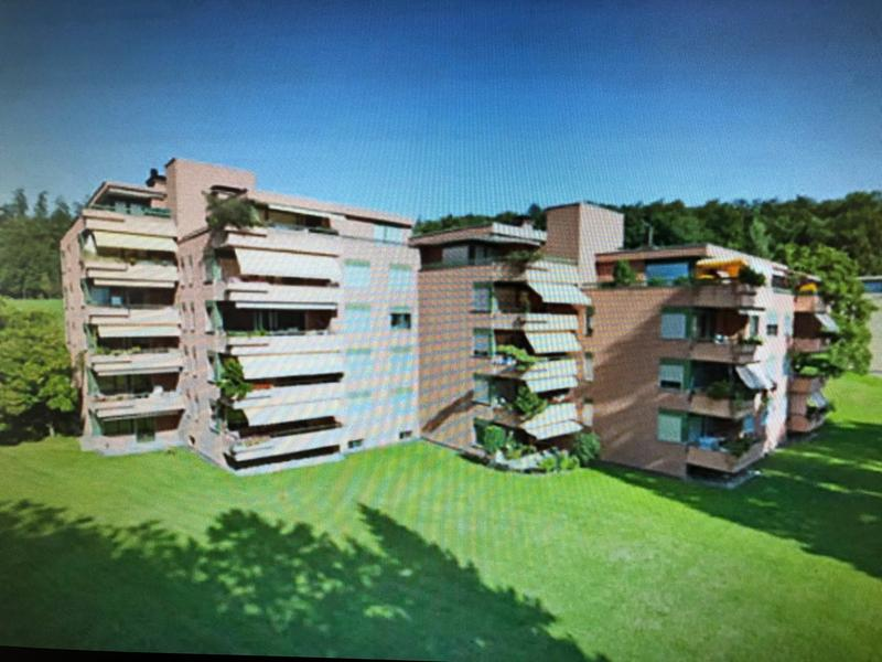 Frisch sanierte Wohnung mit Cheminée an ruhiger Lage direkt am Waldrand