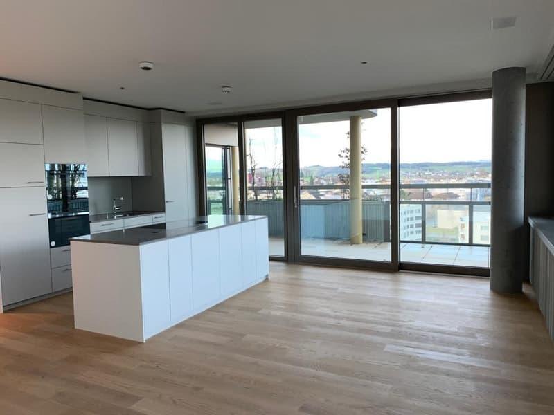 Exklusive 4.5-Zimmer-Wohnung im 8. Stock mit schöner Aussicht (Erstbezug)