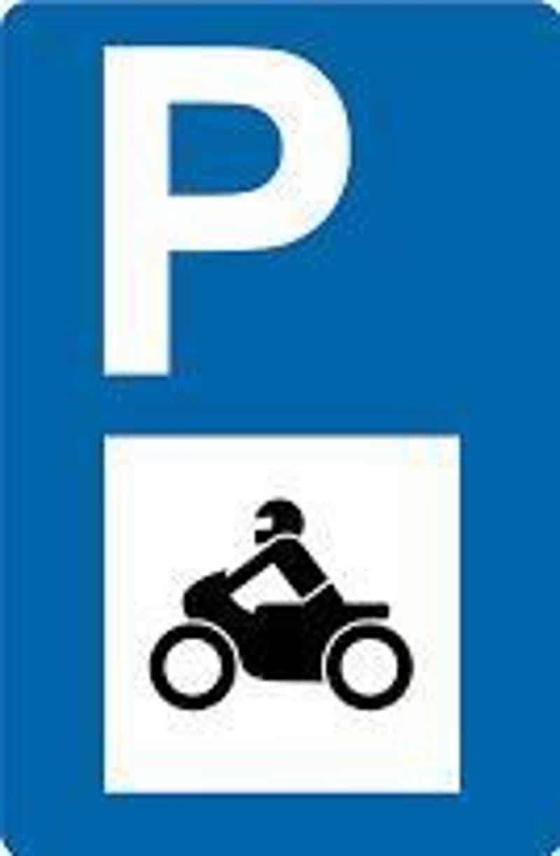 Motorradplätze in Einstellhalle