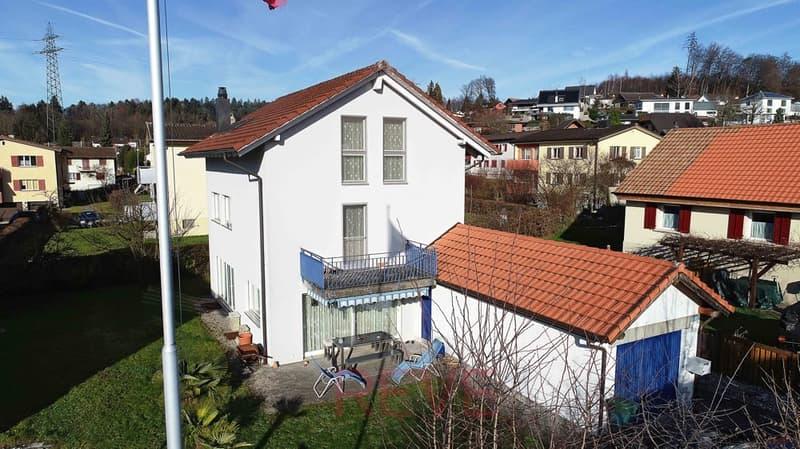 Freistehendes 6.5-Zimmer-Einfamilienhaus an idyllischer Lage