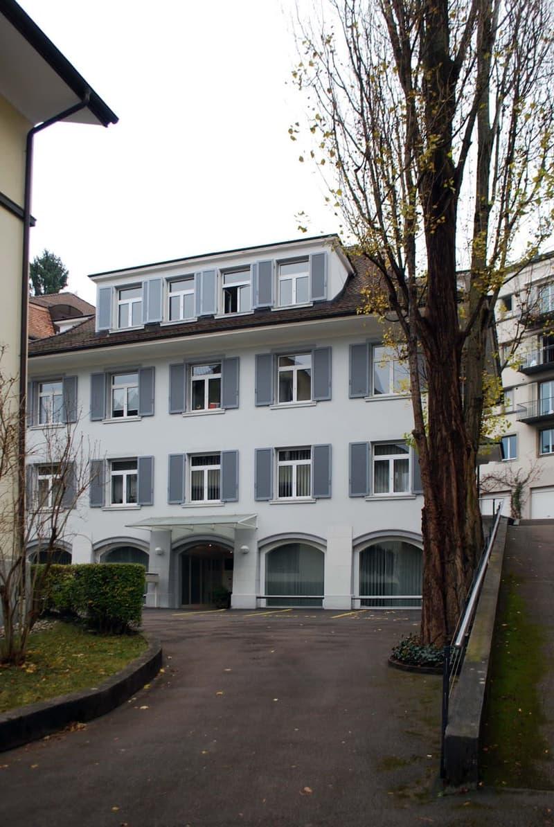 Büroetage in gepflegtem Geschäftshaus Nähe Rigiplatz / neu renoviert