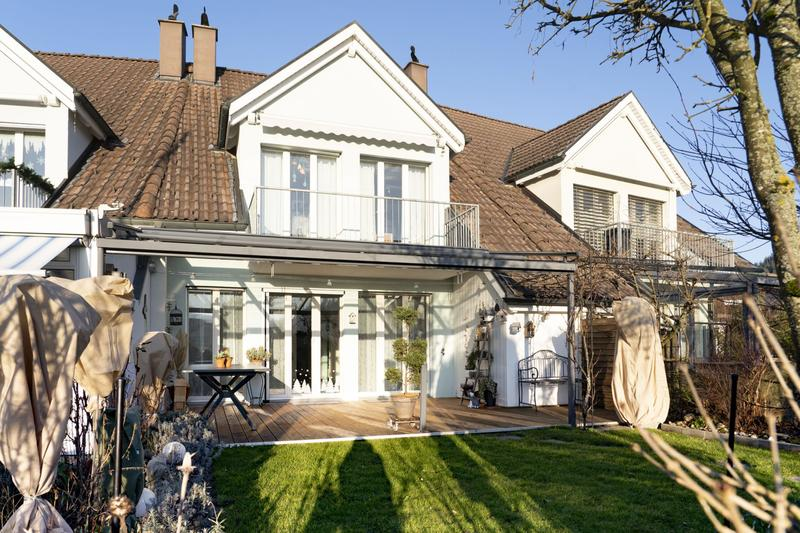 5 .5-Zimmer-Mittel-Eifamiliehuus, e zahlbare Familietroum im Grüene