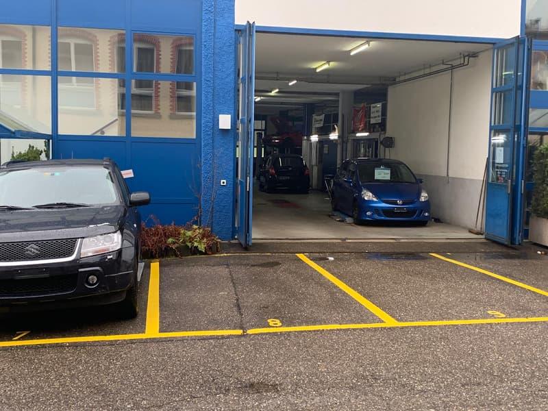 Gewerbehalle/Autoreparaturwerkstatt mit Abstellplätzen und Lagerraum
