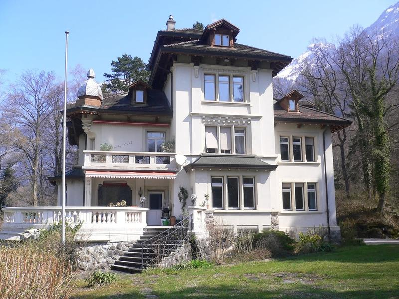 Wohnen in der Villa Waldegg, Dachwohnung mit Turmzimmer