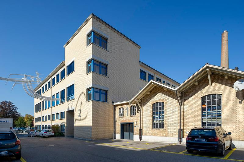 """Helle, hohe Büroräume im historischen """"Schleife-Areal"""" (1)"""