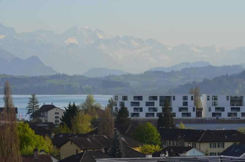 5.5 Moderne Mobl.Wohnung Zug/5.5 room apartment fully furnished with mountain and lake view in Zug