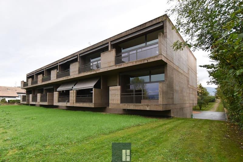 Appartement de 6 pièces au 2ème étage dans un cadre verdoyant