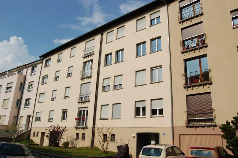 Attraktive 3-Zimmerwohnung mit grossem Balkon ins Grüne. (1)