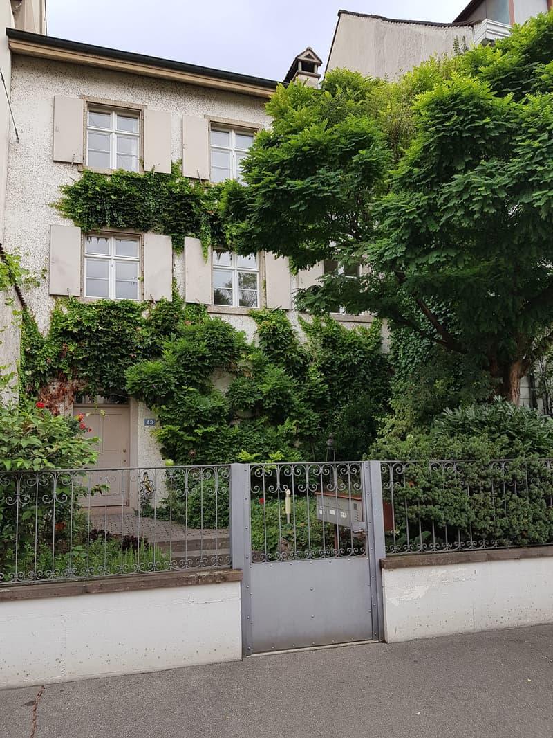 Neu sanierte 3,5-Zimmer Maisonette-Wohnung mit Cheminée am Leonhardsgraben (1)