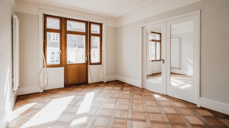 Erstvermietung von hochwertig sanierter 3,5-Zimmer Altbau-Wohnung (2)