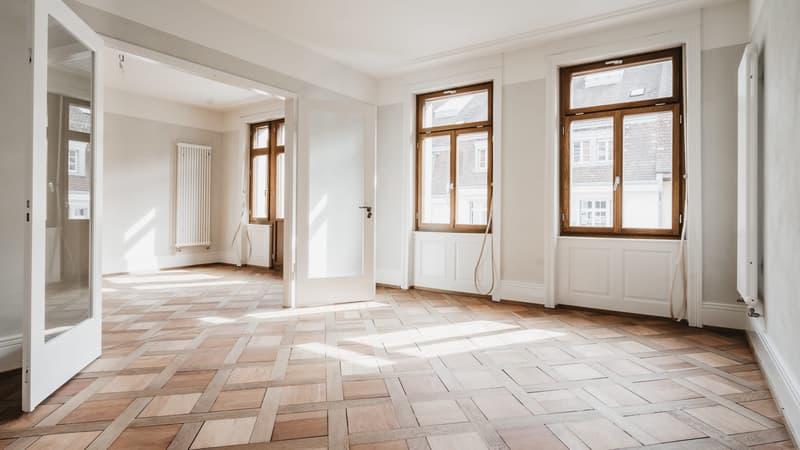 Erstvermietung von hochwertig sanierter 3,5-Zimmer Altbau-Wohnung (3)