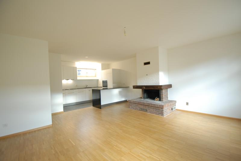 Neu sanierte 2-Zimmer-Wohnung mit Cheminée am Leonhardsgraben / Heuberg (4)