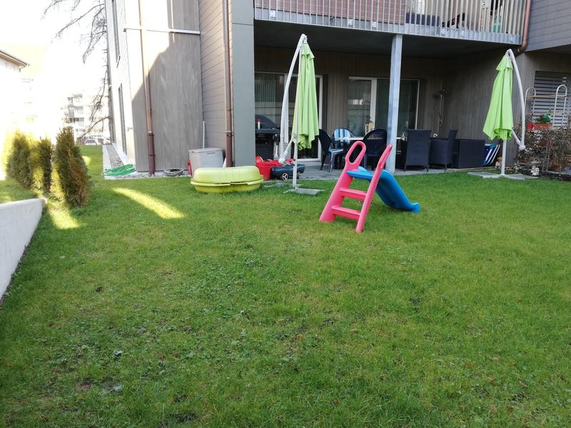 Neubau Wohnung mit grossem Gartensitzplatz