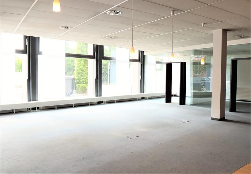 Vollausgebaute Bürofläche mit hoher Visibilität (3)