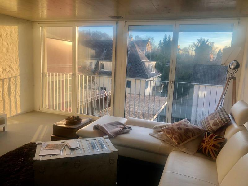 moderne und lichtdurchflutete 2.5-Zi-Loft-Wohnung zu vermieten
