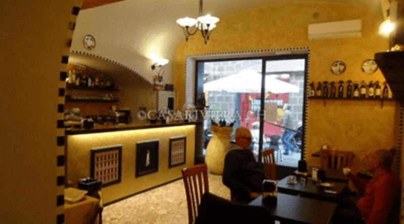 Modern renovierte Bar an bester Passanten-Lage in Albenga im historischen Zentrum