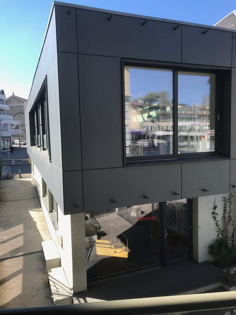 Vieux Chêne-Bourg, Bâtiment indépendant administratif contemporain
