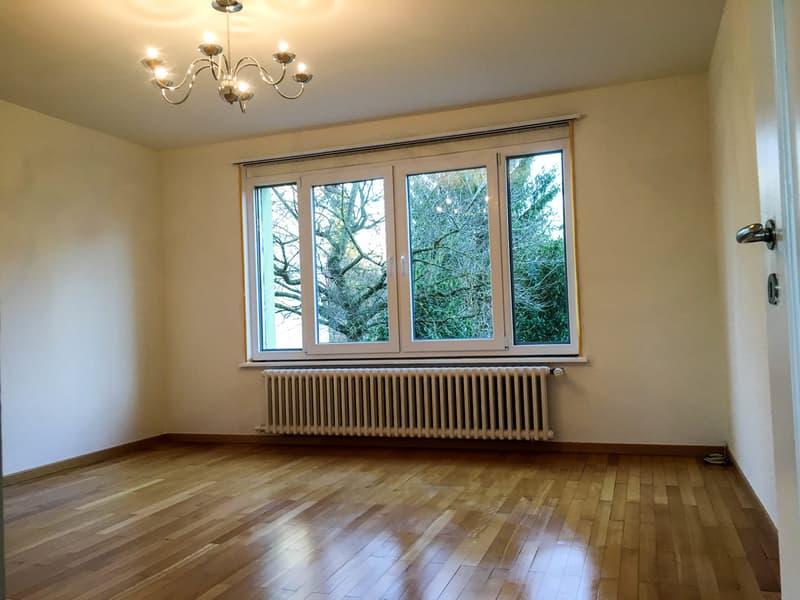 Frisch renovierte 5.5 Zimmer Doppeleinfamilienhaus an Top Lage!