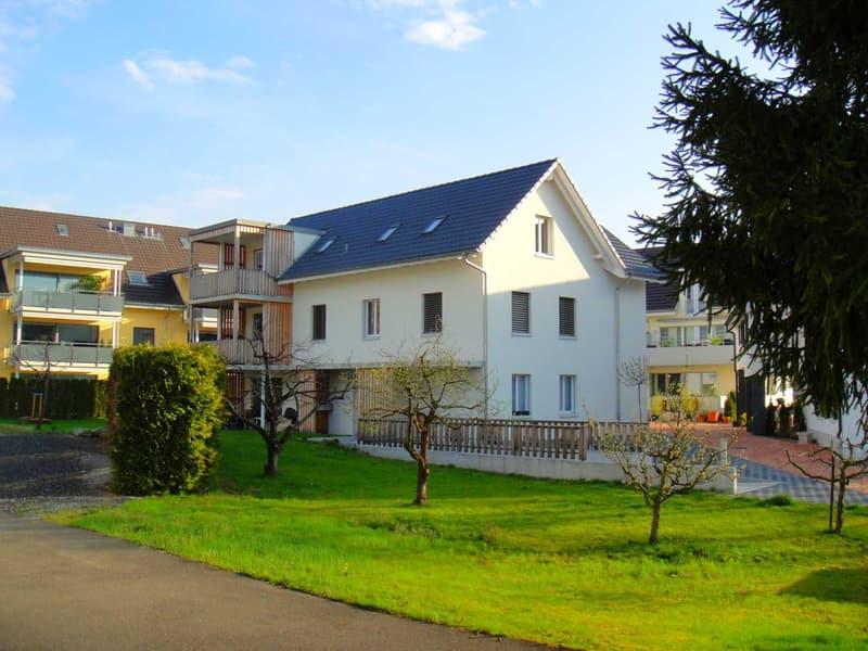 Grosszügige 3.5 Zimmer Wohnung (1.OG) in neuerem 3 Familienhaus