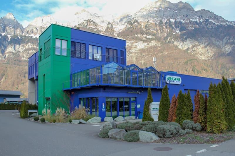 Industrie- und Bürogebäude mit Verkaufsfläche / Teilflächen & Büroräume einzeln mietbar