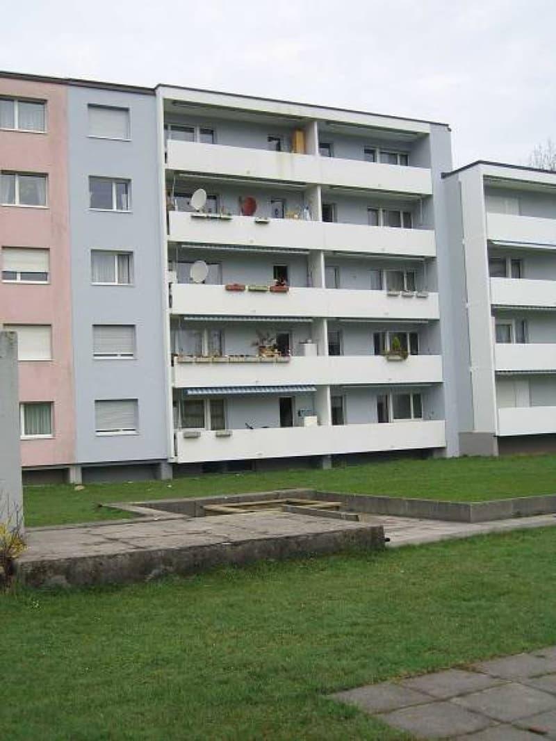 Helle Wohnung / Balkon mit Sicht auf die Alpen
