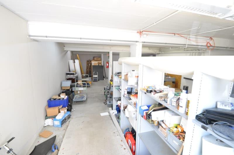 Lagerraum Fr.124.00 inkl. NK und 2 Parkplätzen im Zentrum von Dielsdorf